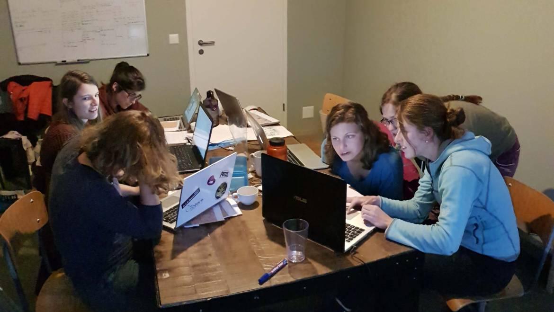 Le team expédition du CAS en préparation chez C+